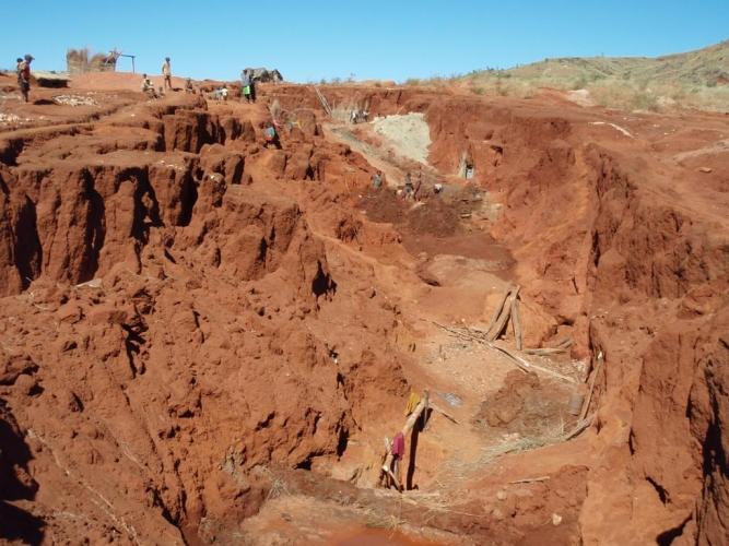 Mine d'or artisanale à Madagascar