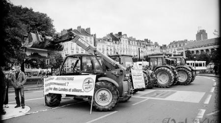 Une manifestation de tracteurs en 2012 contre le projet d'aéroport de Notre Dame des Landes