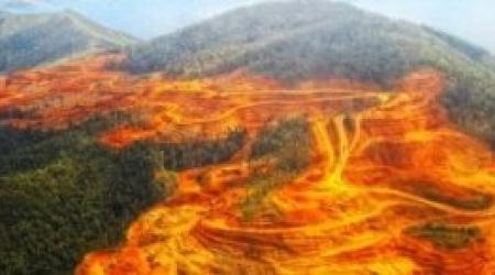 Exploitation minière de l'île d'Halmahera en Indonésie